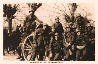 An Italian Battlion from World War I, the Prima guerra mondiale: foto ricordo, via Wikimedia Commons