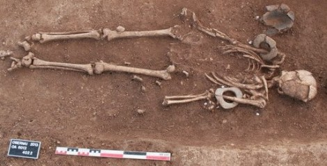 Neolithic burial unearthed at Obernai (Bas-Rhin), 2013 [Credit: © Denis Gliksman, Inrap], via Archaeology News Network