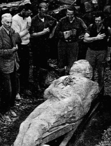 Cardiff giant excavation, via Devils Right Hand