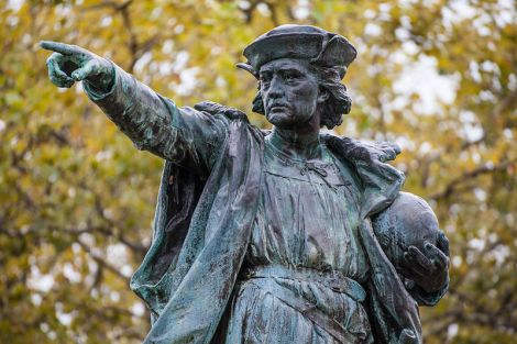 Christopher_Columbus_Statue_close-up