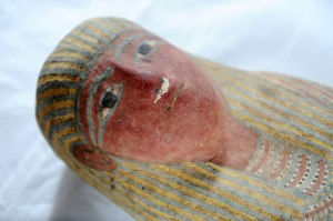 Close shot of the small mummy head, via Past Horizons