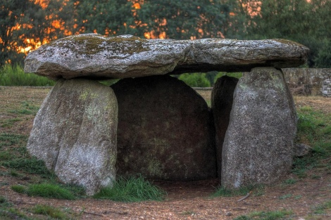 Dolmen de Cabaleiros, via Flickr user Javier Pais