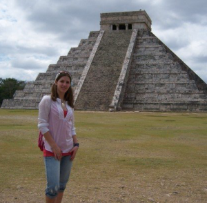 Yup, that is me in 2007 visiting Chichen Itza as part of an anthropology trip to the Yucatec Peninsula!