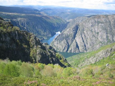 River Sil Valley, via Wikimedia